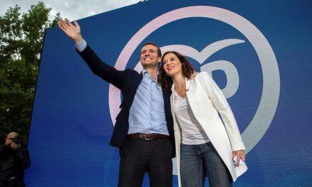 Vuelco de campaña de Casado: Rajoy amplía su presencia y Aznar desaparece