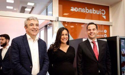 Rivera proclama que «al final del túnel de Sánchez e Iglesias hay una luz naranja dispuesta a liderar la oposición»