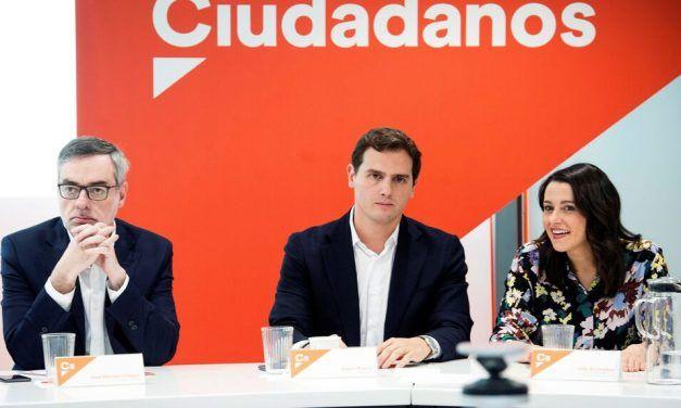 Cs y Vox permiten al PP salvar los muebles del poder local en toda España