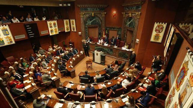 Arranca la X Legislatura en Murcia con PP, Ciudadanos y Vox repartiéndose el poder en la Mesa de la Asamblea