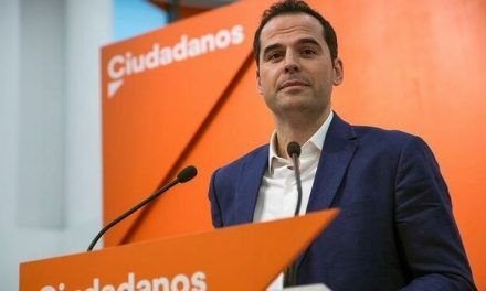 Ciudadanos pide ahora la abstención del PSOE por «responsabilidad» para salvar la investidura sin Vox en Madrid
