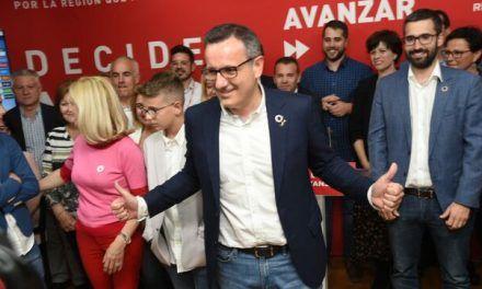 El PSOE de Murcia niega tener un pacto secreto con Cs y pide al tripartito que acabe con el «paripé»
