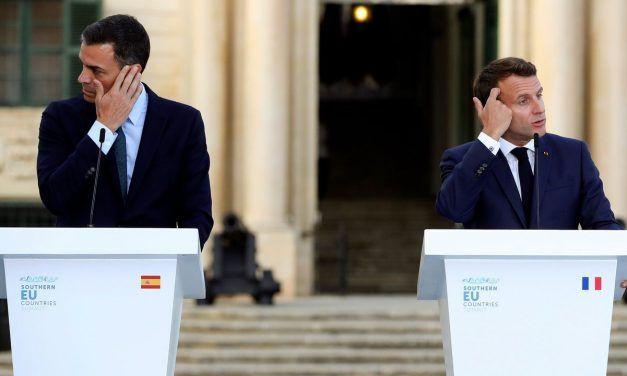 A Sánchez se le complica la investidura y Casado sale reforzado frente a Rivera