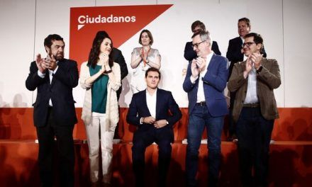 Albert Rivera cesa a dos críticos y avisa a los suyos que quiere en el partido «gente leal» al proyecto