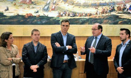 Rivera pone contra las cuerdas a Sánchez: tendrá que negociar o decirle al Rey que quiere elecciones