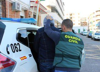 Desmantelan un clan familiar rumano que explotaba a compatriotas en Mazarrón