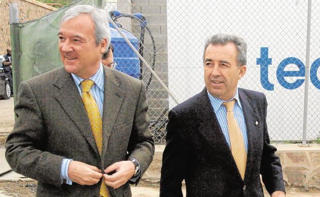 El juzgado da diez días a Valcárcel para personarse en la causa de la desalinizadora