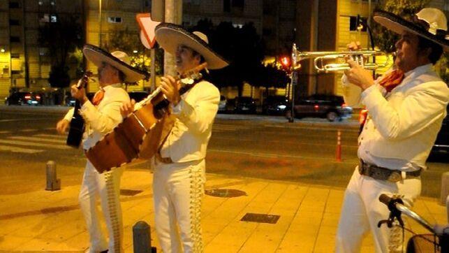 «¡Ay Fran Hervías, canta y no llores!»: tres mariachis inauguran la asamblea interna de Ciudadanos en Murcia