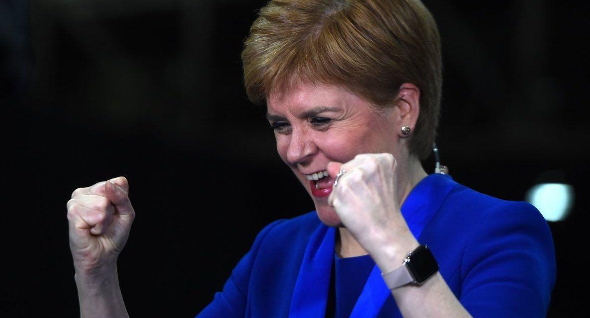 Los nacionalistas de Nicola Sturgeon arrasan en Escocia en las elecciones