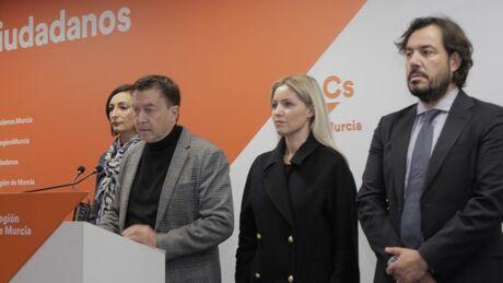 Crisis de confianza en el Gobierno murciano de PP y Ciudadanos por el Mar Menor