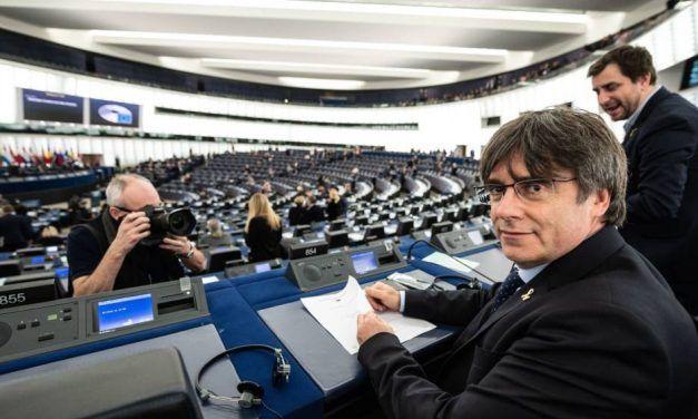 Hacienda espera a Puigdemont: considera que los eurodiputados deben tributar aquí