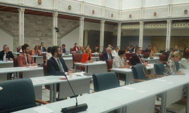 La crispación salta a la Asamblea: bronca entre Conesa y el PP con tirón de orejas de Franco