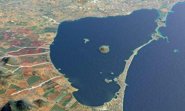Un mar, cuatro leyes, cinco causas y dos responsables