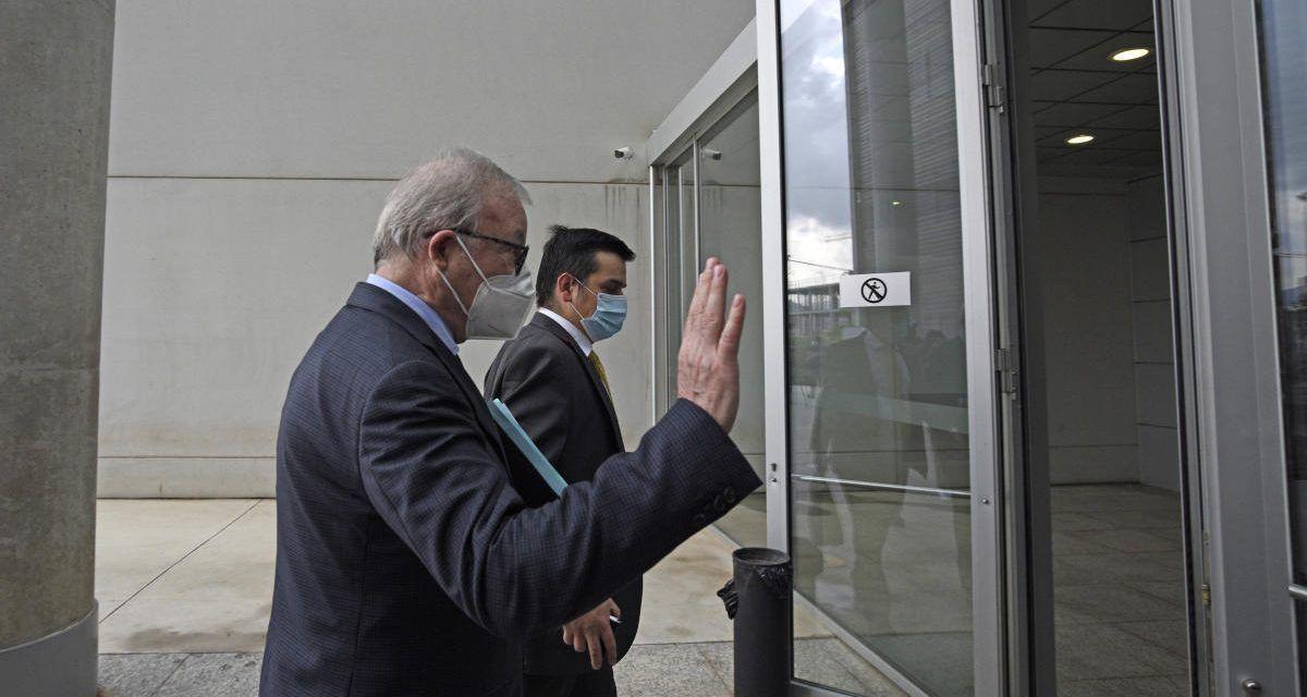 De Ramón pide al juez que investigue si Valcárcel tiene patrimonio en paraísos fiscales