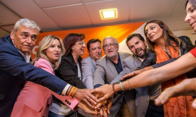 Las encuestas al fin dan un respiro a Ciudadanos: los murcianos 'naranjas' volverían al Congreso a costa de Podemos