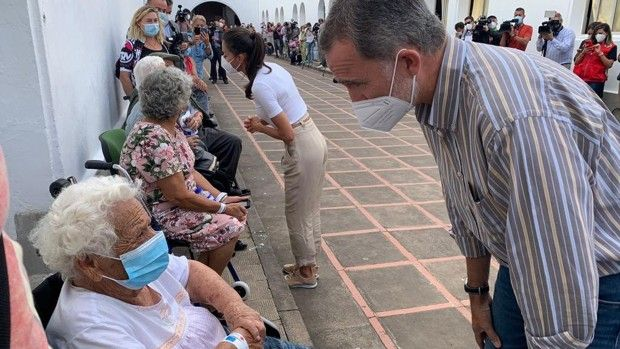 Los Reyes se reúnen hoy con las personas mas afectadas por el volcán en La Palma