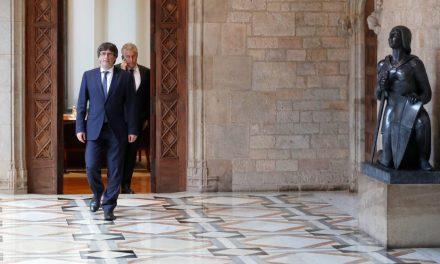 Puigdemont se instala en el Palau y los GEO de los Mossos ya lo protegen día y noche