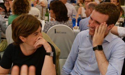 LA BATALLA POR LA SUCESIÓN DE RAJOY: El duelo de discursos, la esperanza de Casado para ganarle a Santamaría el 20% de indecisos en el Congreso del PP