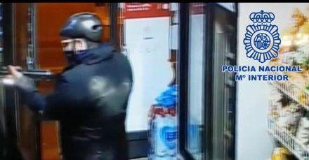 Detenido 'Superman' tras atracar dos tiendas en Murcia