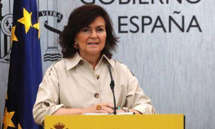 Carmen Calvo insinúa que Casado y Rivera se «alinean» con políticos radicales europeos en materia de inmigración