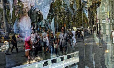 Los comerciantes no quieren política el 17-A mientras Òmnium llama a honrar a la cúpula policial del 'procés'