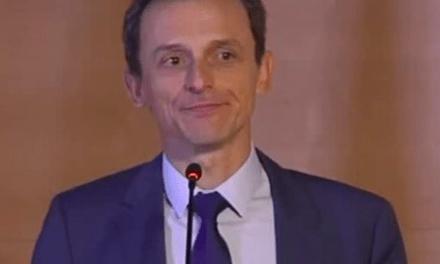 Un dubitativo Pedro Duque no aclara si pagó menos impuestos en la compra de sus casas