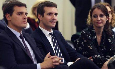 La batalla entre Casado y Rivera radicaliza la campaña andaluza y facilita a Susana Díaz el voto de centro