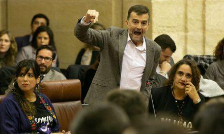 Primera bronca en el Parlamento andaluz: promesas sin tribuna, juras por España y mensajes de Adelante Andalucía a Vox