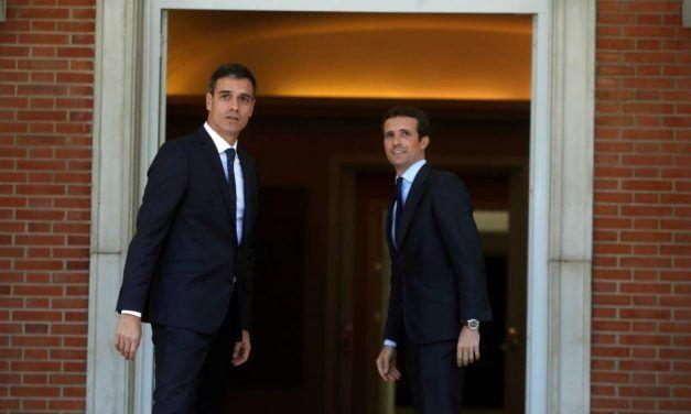 Sánchez y Casado se desmarcan de Podemos y Vox, Calviño duda de Industria y los premios 'Vozpópuli'