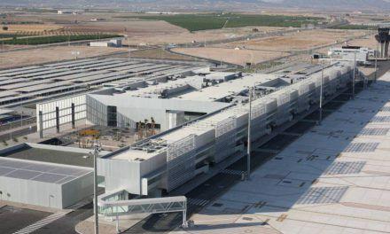 Arranca el aeropuerto 'fantasma' de Murcia tras 16 años de espera