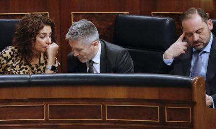 La militancia se rebela contra Sánchez, sus vetos y los ministros a dedo en las listas