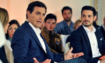 Rivera llama «indecente» a Sánchez por llevar «escrita en la frente» la palabra indulto