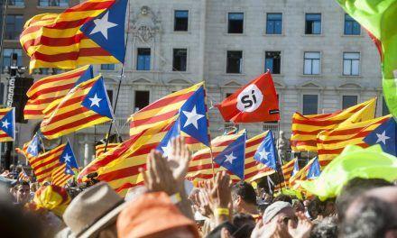 """El independentismo prepara una nueva Diada para """"dar mucho miedo"""" en puntos estratégicos de Cataluña"""