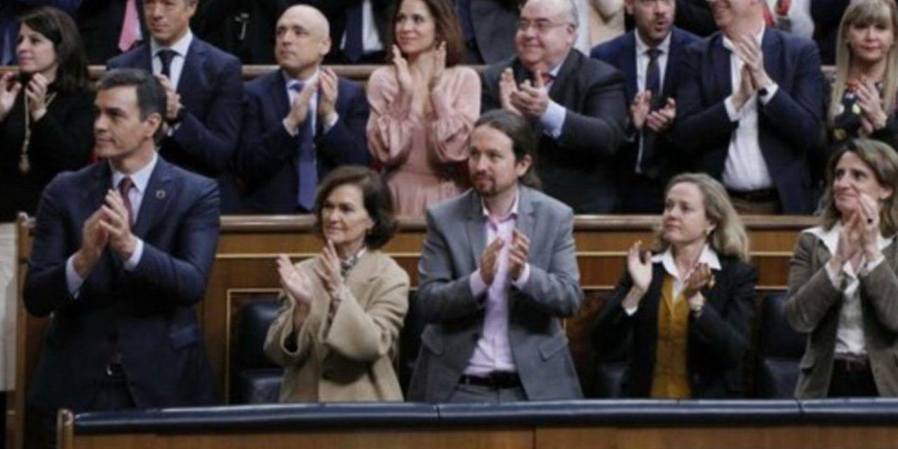 Carmen Calvo no ha soltado el mando ni un solo día durante la baja para frenar a Pablo Iglesias