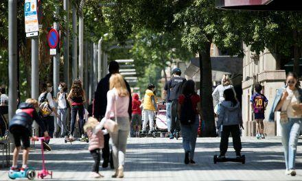 Miles de padres usan la salida con sus niños para saltarse las normas en el primer día de «alivio»