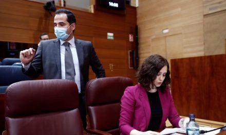 Ayuso y Aguado formalizan la quiebra de confianza en el Gobierno de Madrid